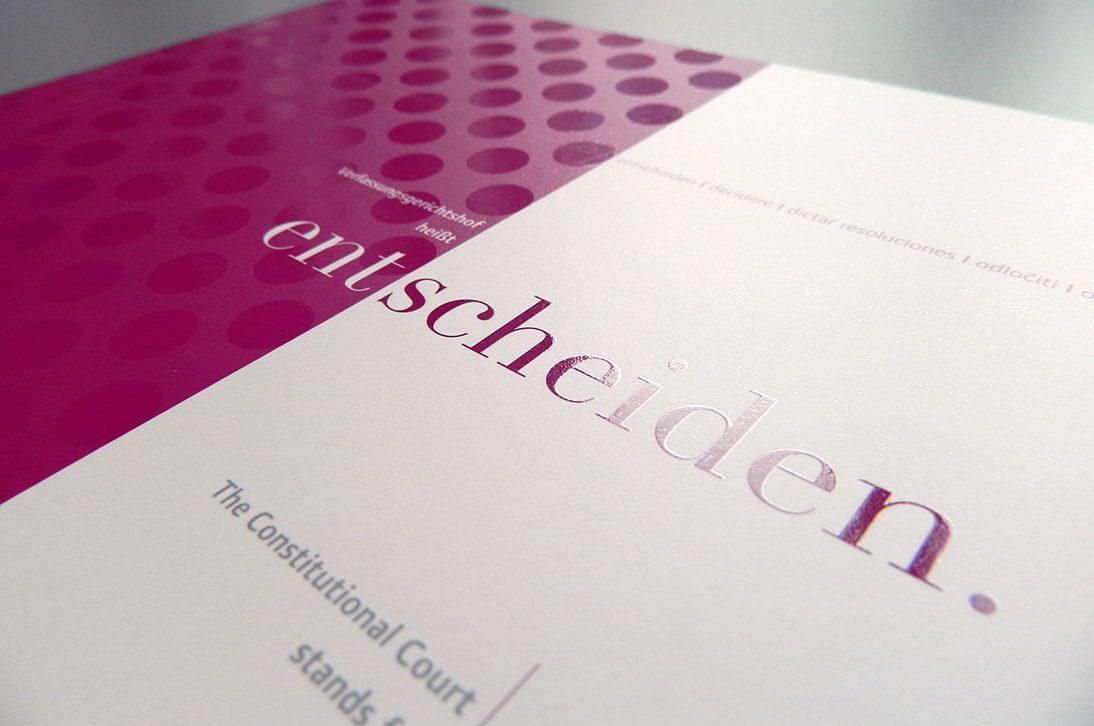 Drucklackierung Broschüre